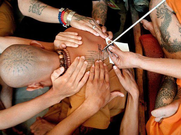 buddhistmonkpraytattoo12070600x450.jpg